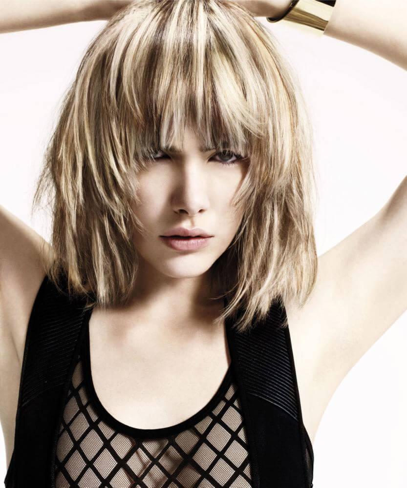 Следует отметить, что каре могут примерить как девушки с короткими волосами, так и обладательницы средней длины.
