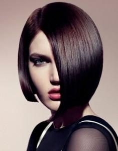 ассиметричная стрижка на среднюю длину волос