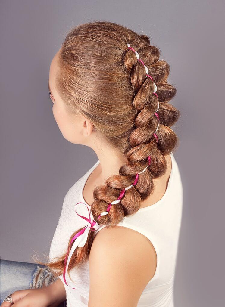 плетение косичек с ленточками на длинные волосы пошагово