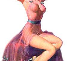 Женщина приводящая волосы в порядок
