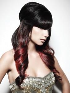 Удлиненные косые челки на длинных волосах