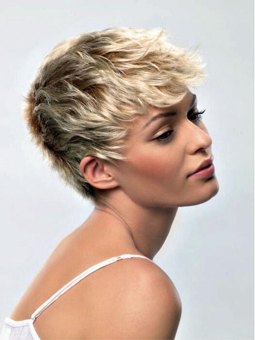 Короткие стрижки для непослушных волос женские