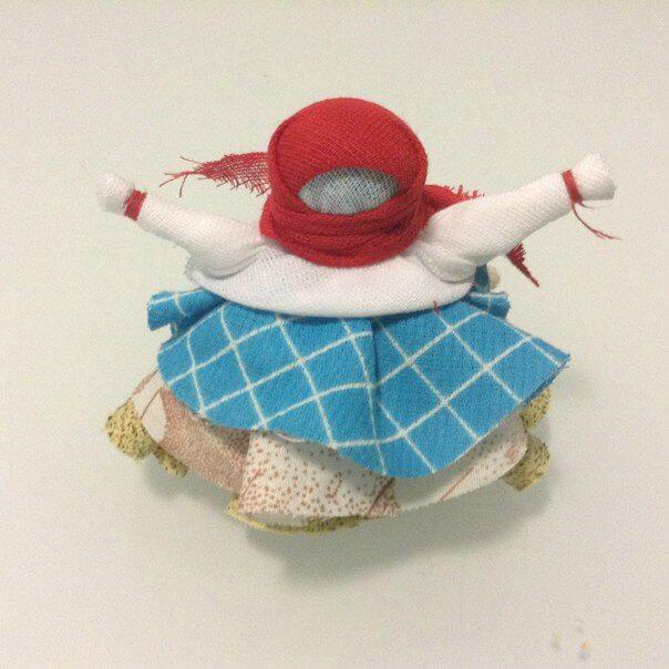 платок на куклу