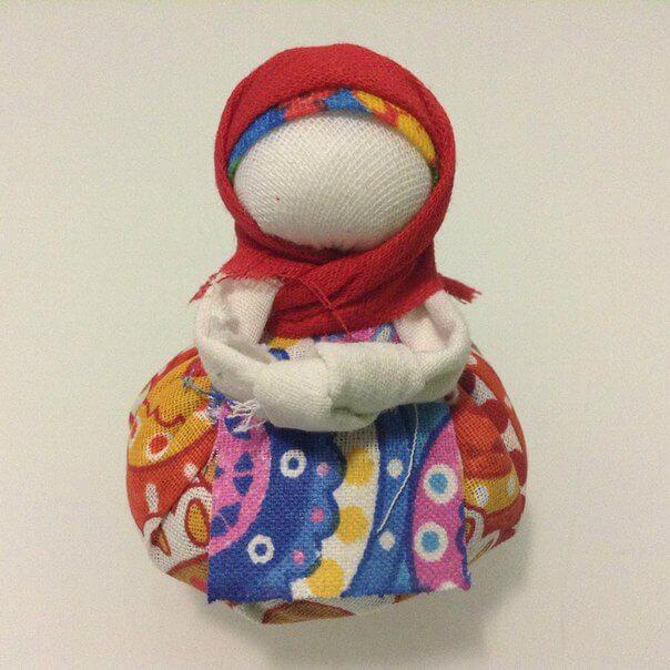кукла с платочком