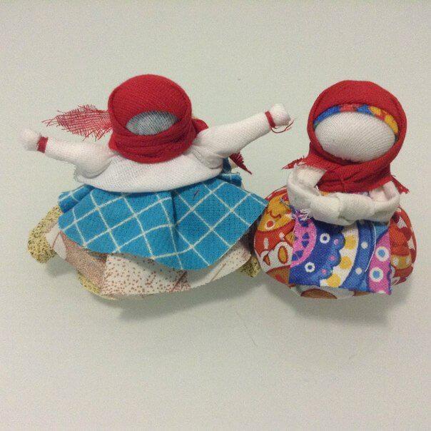 Куклы обереги — Травница, Подорожница, на здоровье, Крупеничка, для семьи, Ангел, Успешница, на замужество, Благополучница, на беременность: значение, описание, история, фото