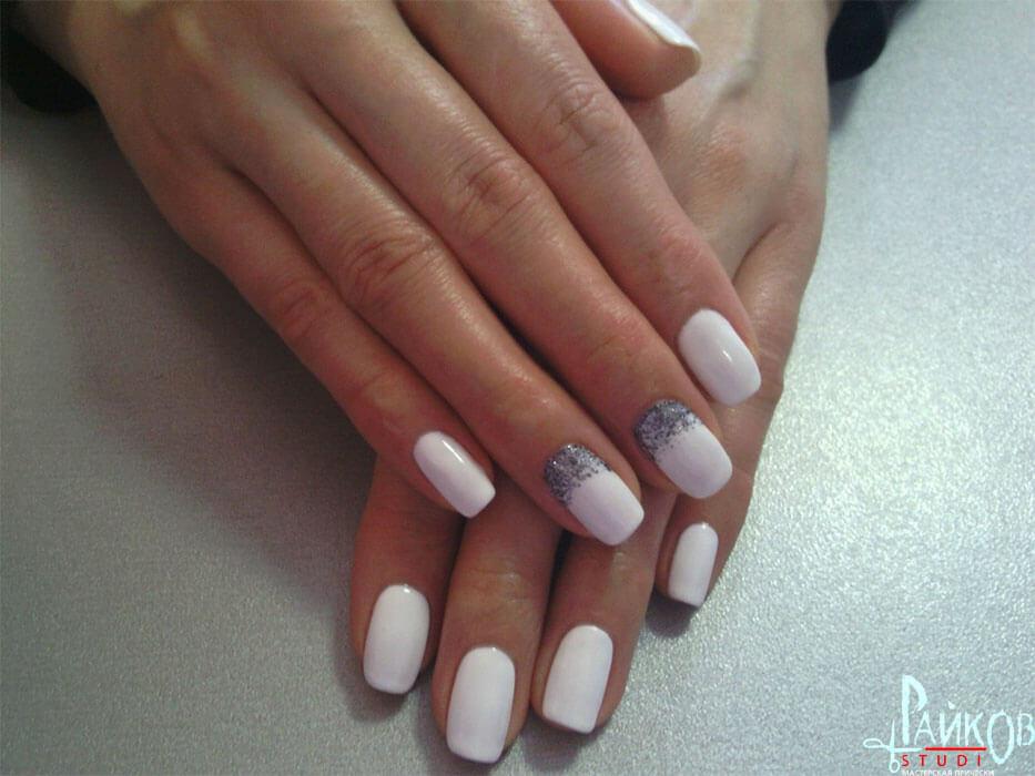 ногти белого цвета