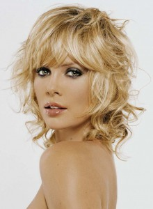 женские стрижки для слегка вьющихся волос