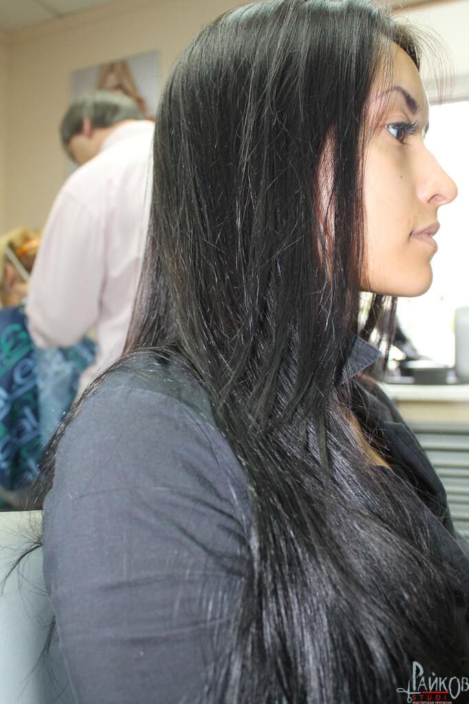 прическа для невесты : волосы прямые ,негустые, тонкие , прорабатываем их при помощи щипцов гофре мелкие под начес и лак, делая их послушными. Топ-стилист Ивайло Райков