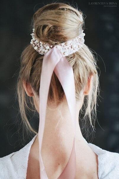 Свадебная прическа с лентой вид сзади