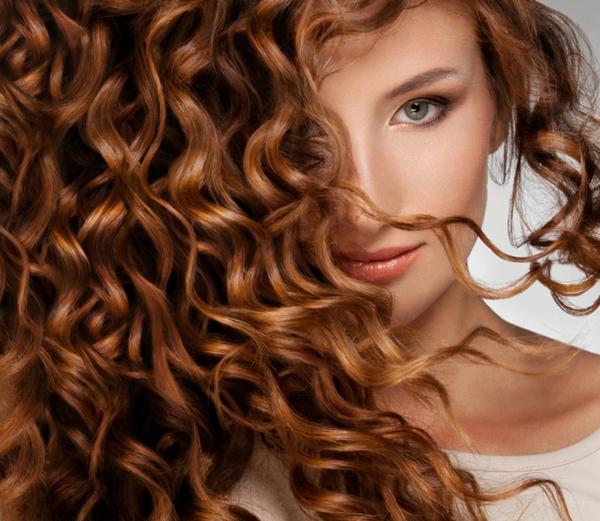волосы густые и роскошные