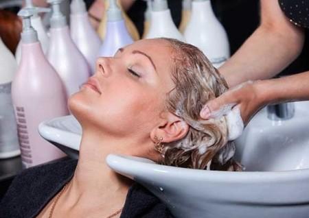 Окрашивание волос во время беременности – можно ли ?