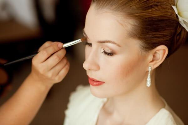 Свадебный макияж последние штрихи