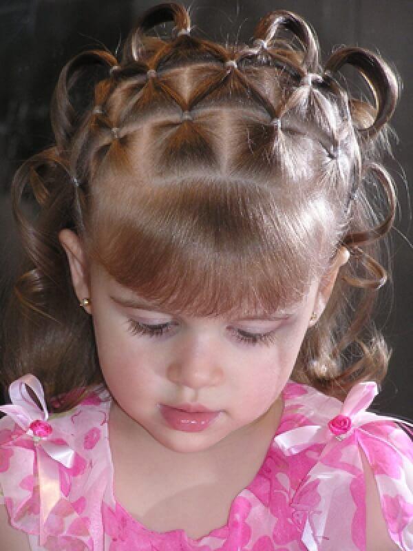 Плетем косички девочкам