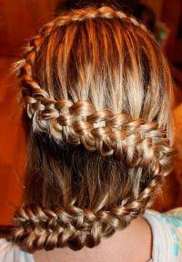 накрученные длинные волосы