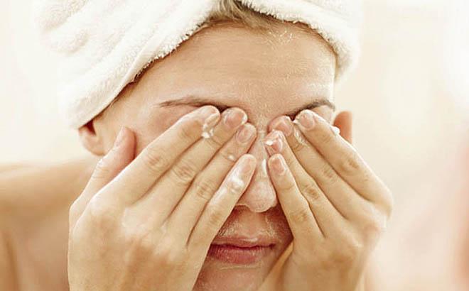 умывание снятие макияжа