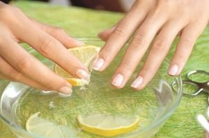 фото ванночка для ногтей с ромашкой