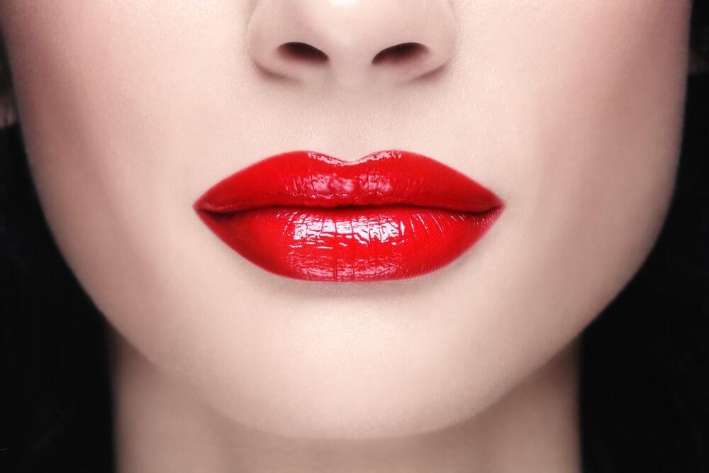 красивые полные губы фото