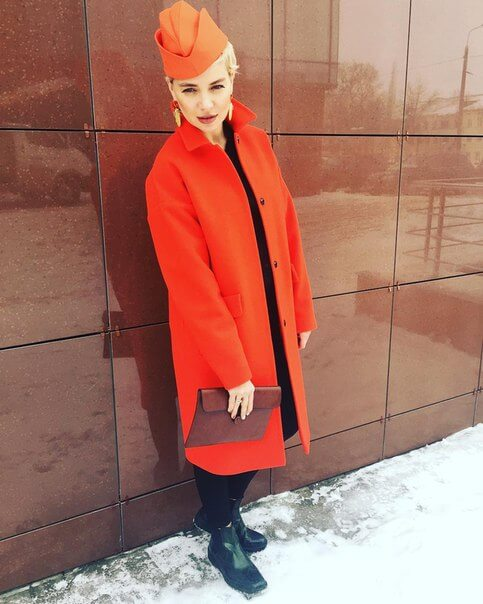 Анета Уотман в одежде musthave