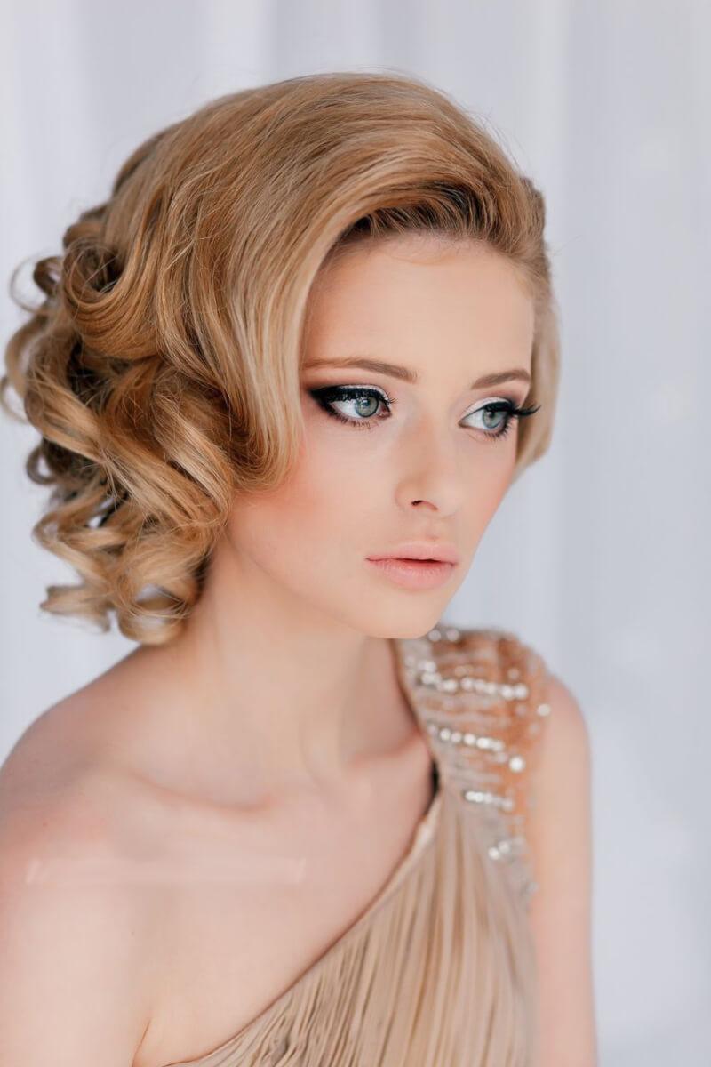 Стрижки фото не требующие укладки средние волосы