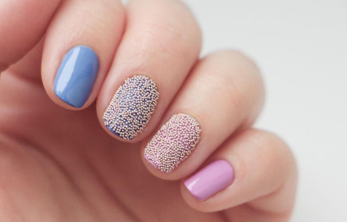 Фото дизайн ногтей стразами и бусинками
