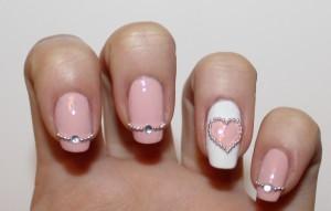 дизайн ногтей: стразы и бульонки