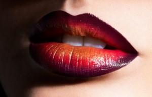 фото горизонтальное омбре губ
