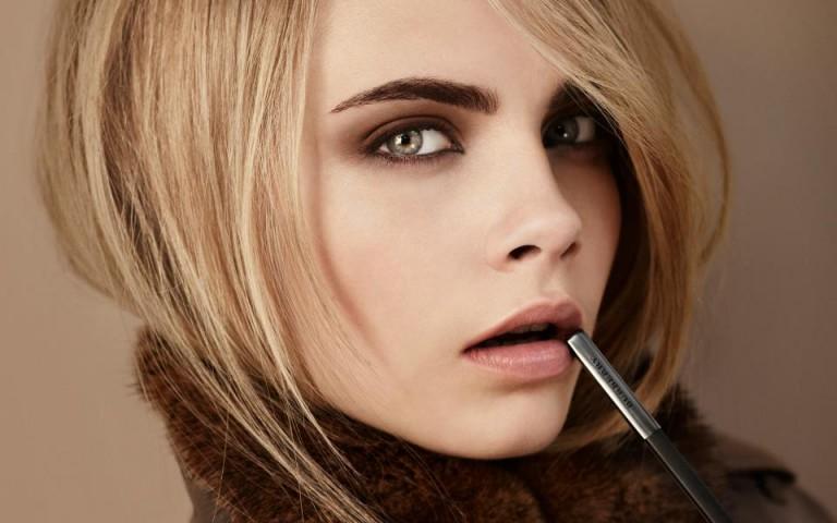 фото увеличения губ с помощью макияжа