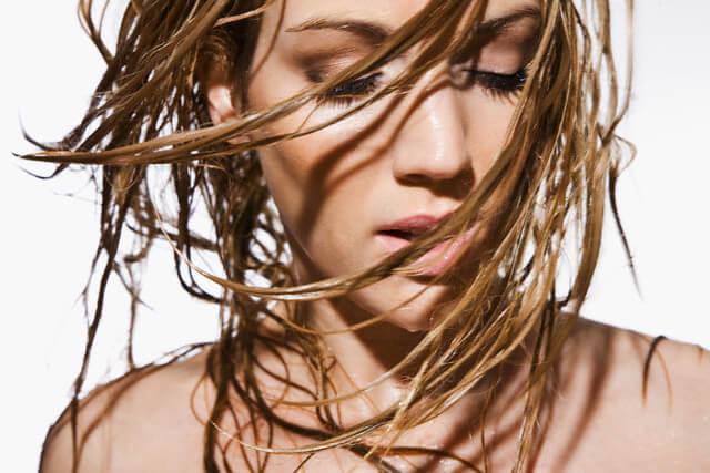 Жирные волосы фото