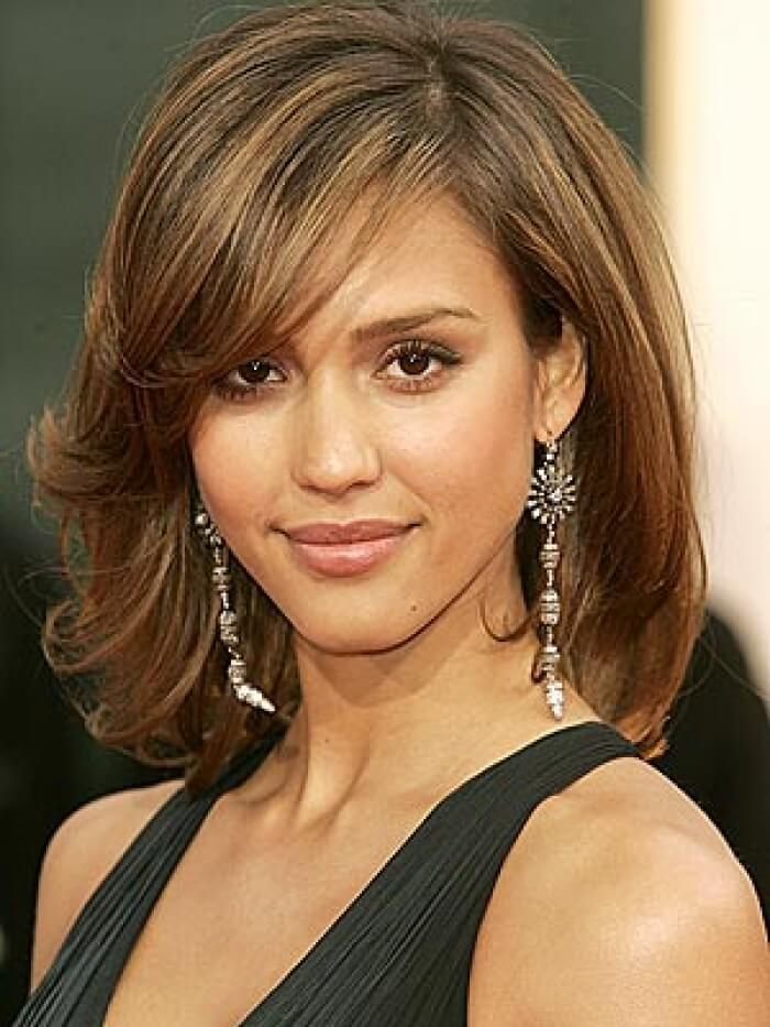 Причёски для тонких волос средней длины своими руками видео