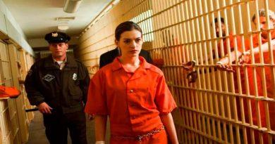 тюрьма и женщина