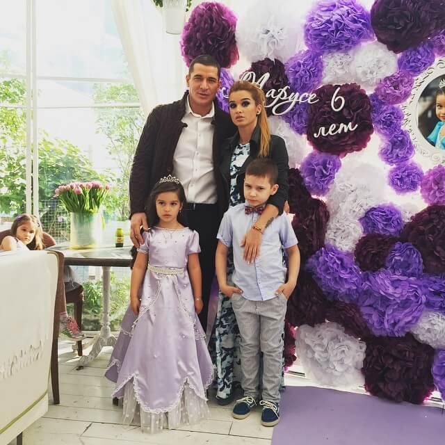 Счастливая семья Бородины и Омарова фото