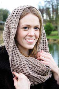 фото шарф-труба с идентичным рисунком
