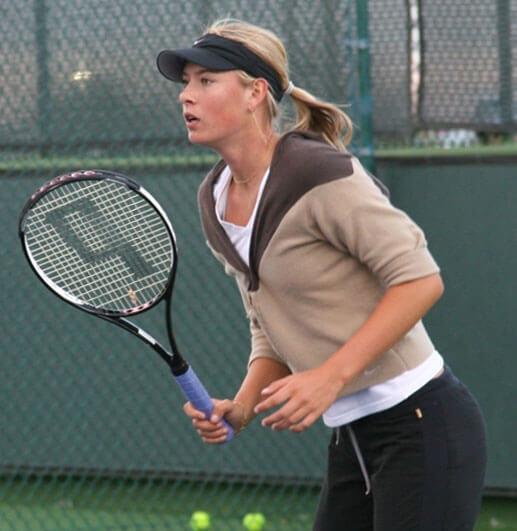 Фото Марии Шараповой на теннисном корте