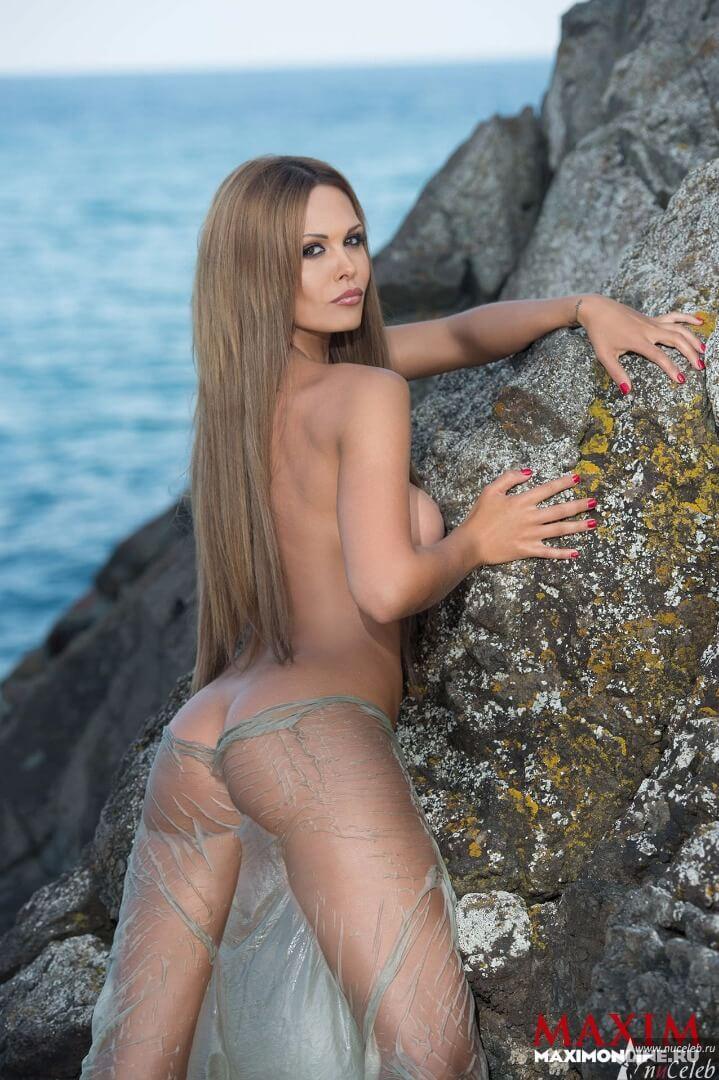 Фото голая Мария Горбань в журнале Максим