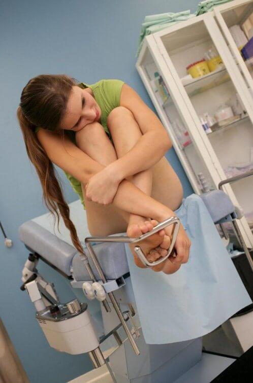 Как осматривает гинеколог фото