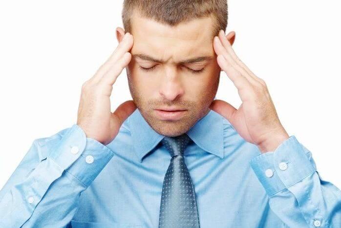 Фото частые головные боли вследствие зависимости от капель