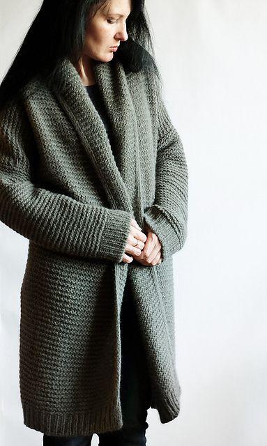 Фото пальто платочной вязкой с воротником отворотом