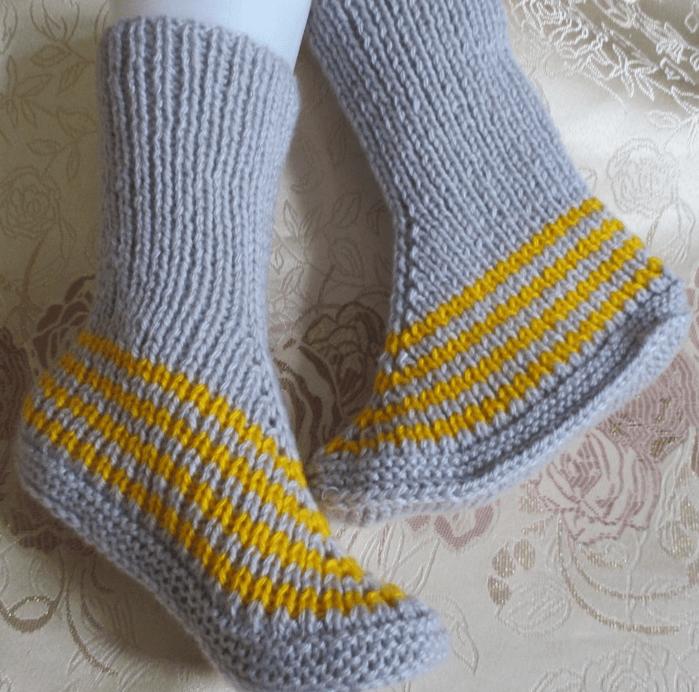 Фото вязанные носки на двух спицах