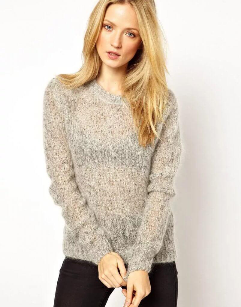 Фото мохеровый свитер, связанный спицами