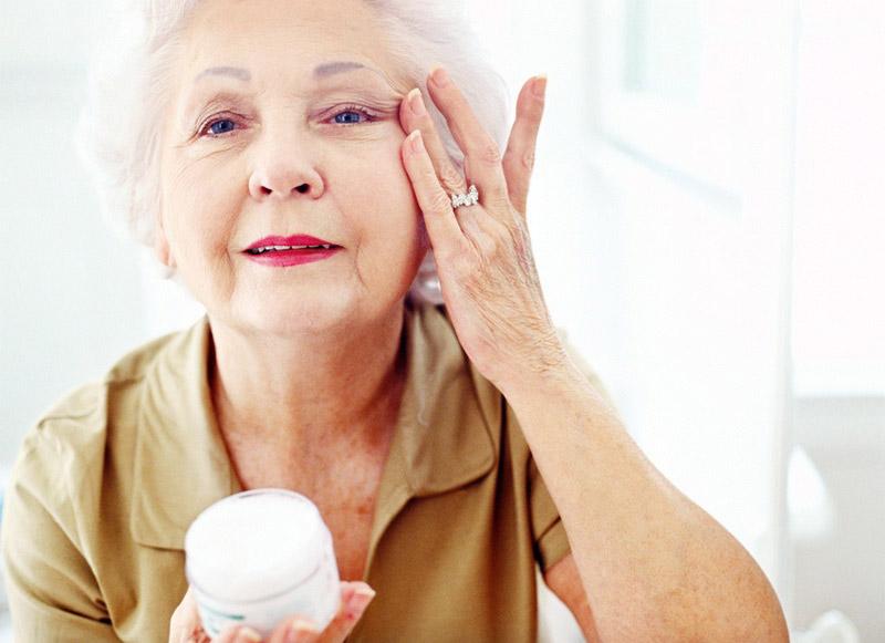 Уход за кожей после 60