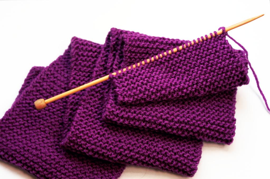 Фото вязание шарфа платочной вязкой - ровный край