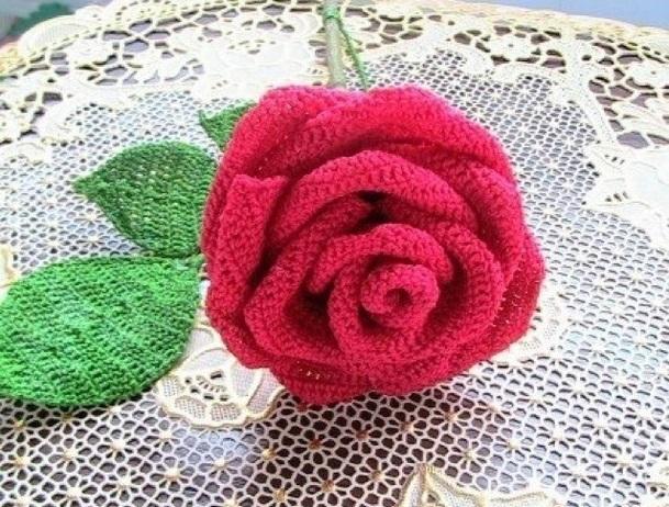 Фото вязаная крючком роза