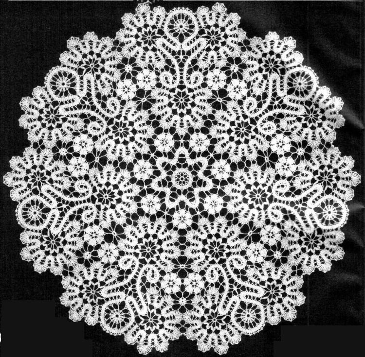 Фото салфетки крючком в технике брюггского кружева