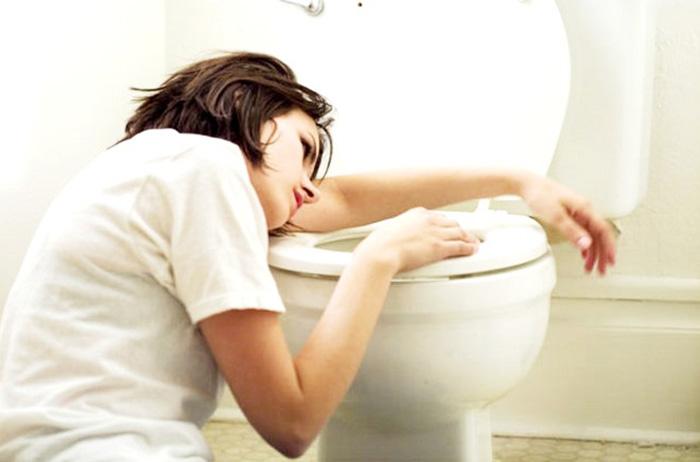 пищевое отравление тошнота