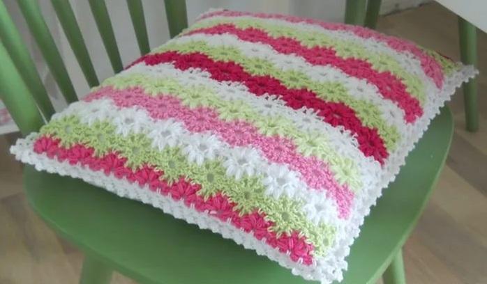Фото вязанные подушки крючком