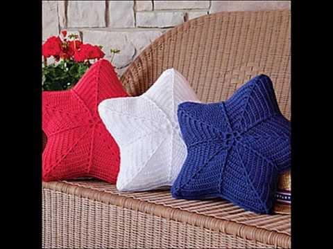 Фото фигуристые подушки связанные крючком