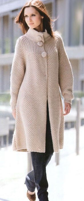 Фото пальто спицами для полных женщин молочного цвета