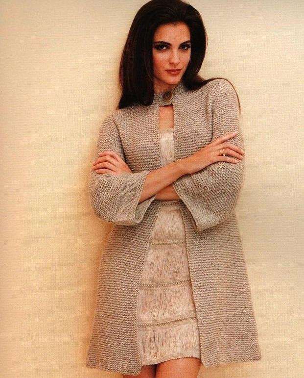 Фото подходящие модели для вязания пальто для полных женщин с фигурой яблоко