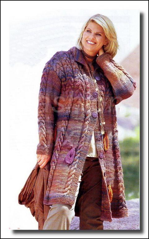 Фото модели вязаного пальто для фигуры груша