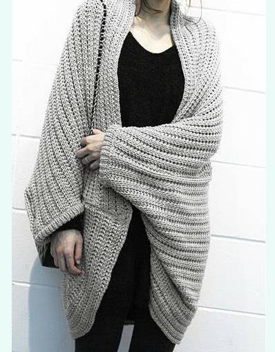 Фото неподходящие модели пальто спицами для полных женщин